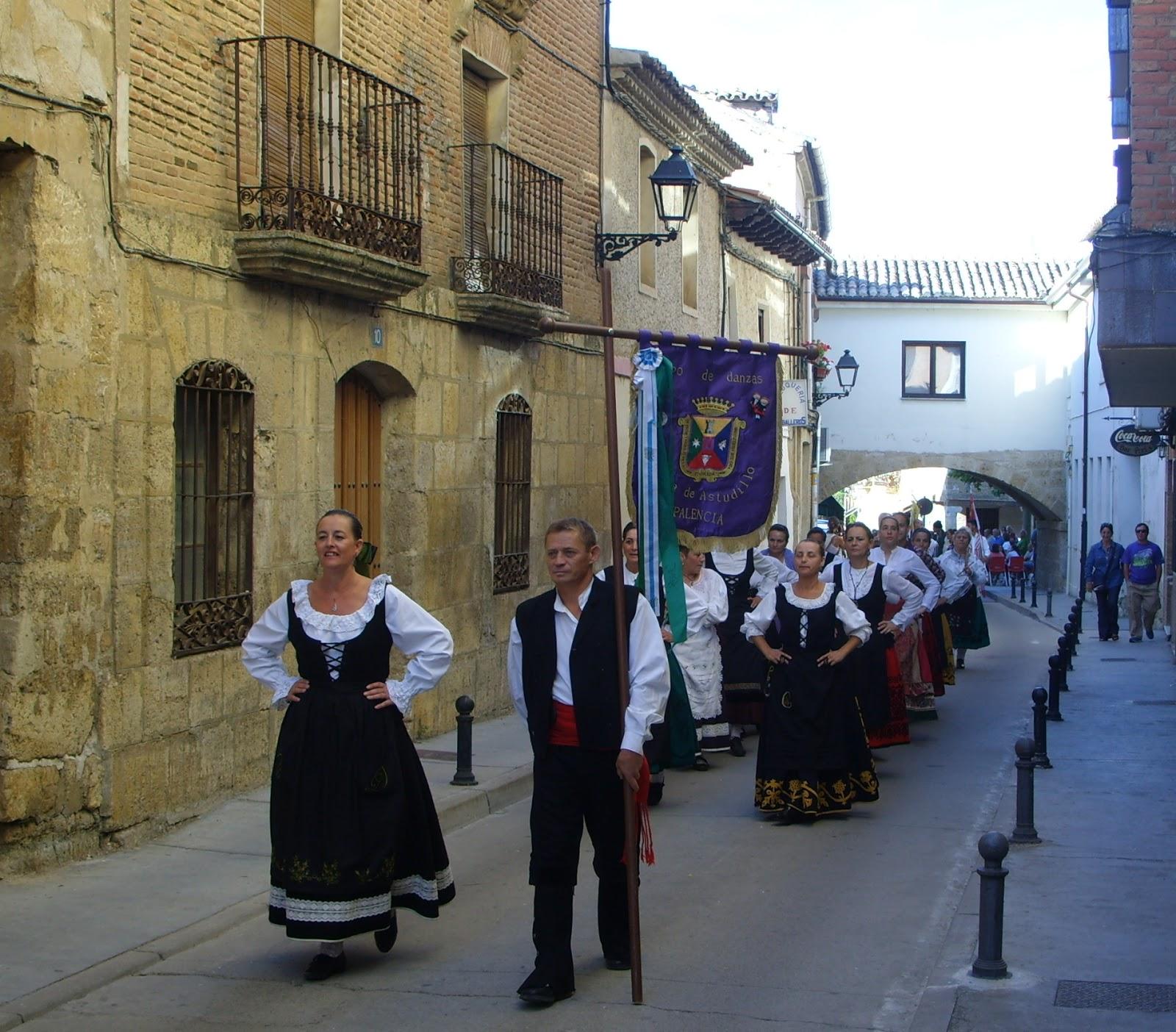 Resultado de imagen de La Procesión de San Roque en la fiestas de S. Roque de Cervatos de la Cueza, Palencia
