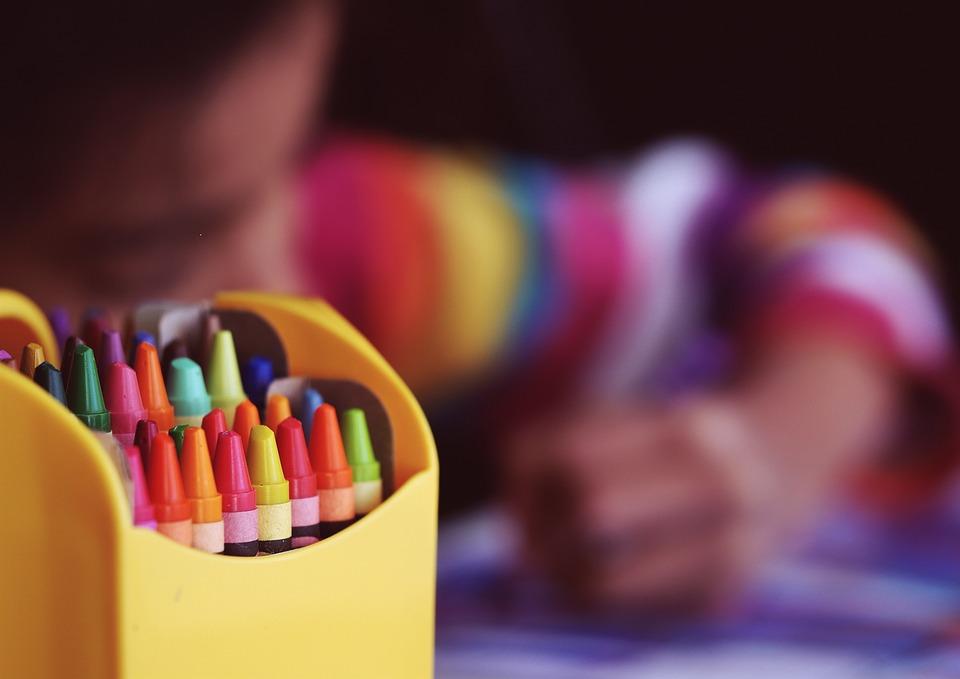 talleres-niños-manualidades-pintura